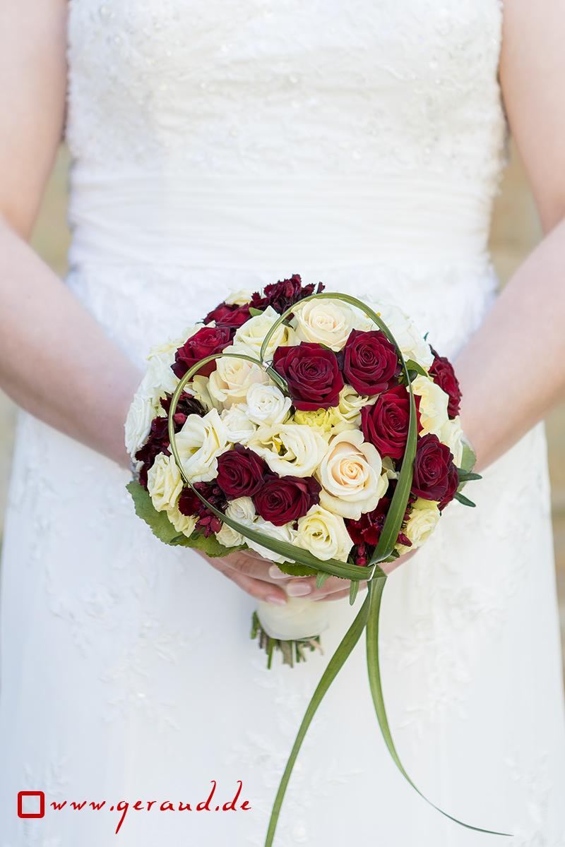 Hochzeitsfotos Rhön Brautstrauß